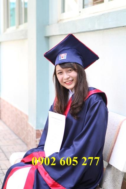 Mua áo tốt nghiệp lớp 9 chụp ảnh ngày tốt nghiệp